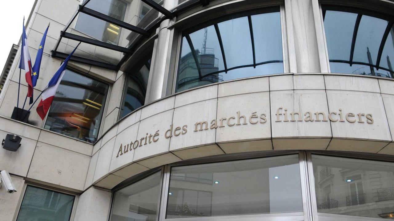 La cour de cassation a fixé des limites aux pouvoirs d'investigation de l'AMF. Dans le cadre d'une perquisition, seuls les documents d'une personne qui occupe les lieux peuvent être saisis.