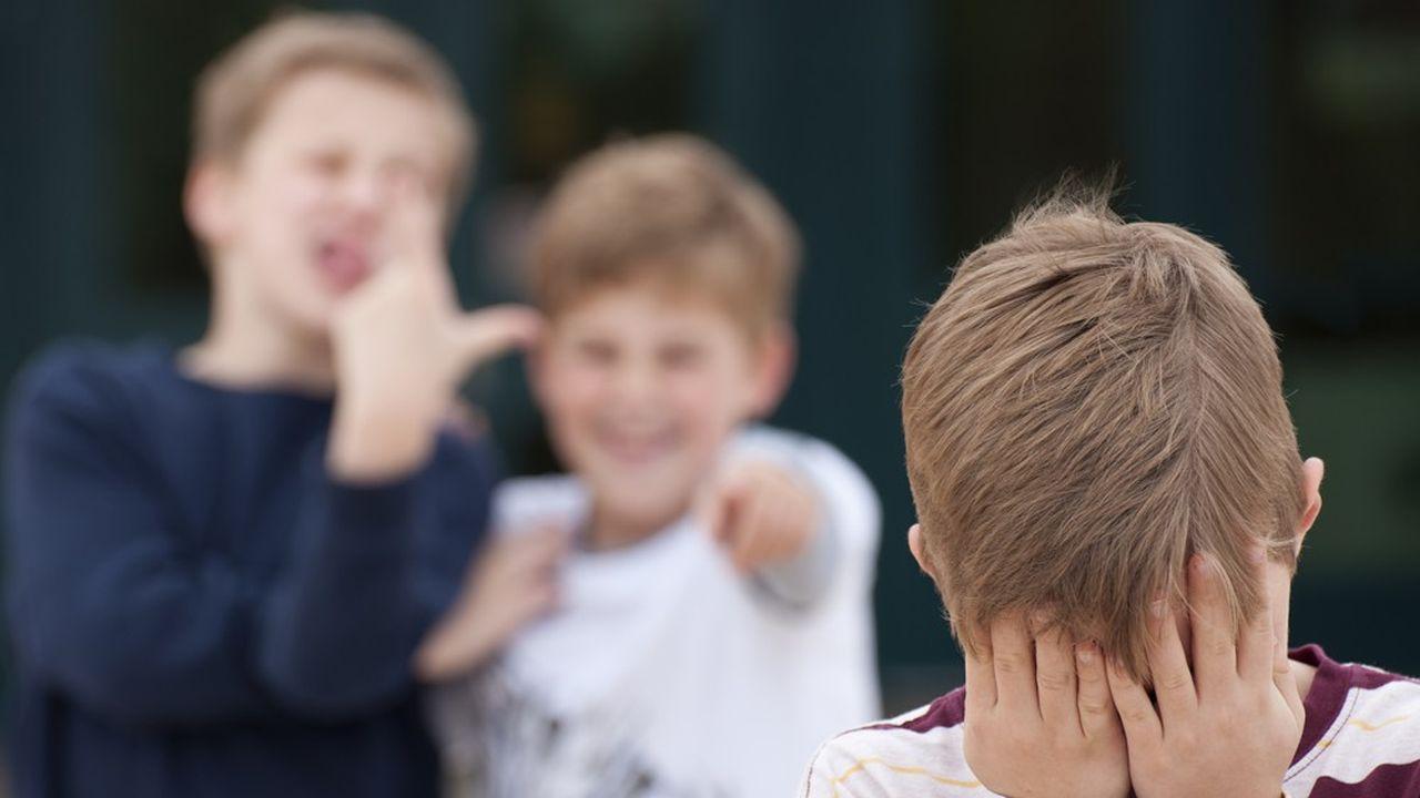 Le fléau du harcèlement scolaire toucherait 700 000 élèves en France.