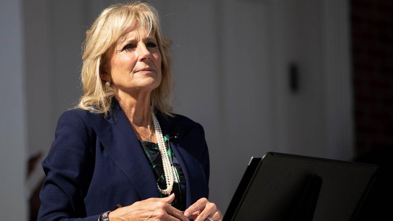 Jill Biden se décrit comme une «éducatrice à vie» sur son compte Twitter.