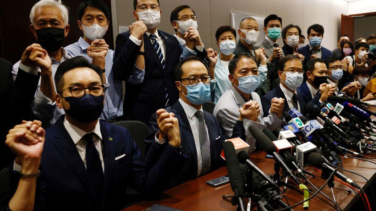 Les députés pro-démocratie du Parlement de Hong Kong ont annoncé le 11novembre qu'ils allaient tous démissionner.