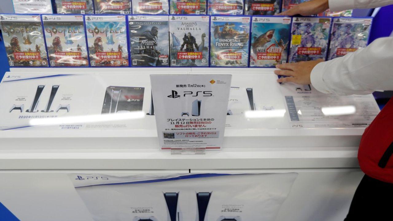 Sept ans après la sortie de sa précédente génération de PlayStation, Sony espère que l'appétit croissant pour les jeux vidéo va lui permettre d'écouler au moins 7,6millions de PS5 d'ici à la fin de son année fiscale en mars prochain.
