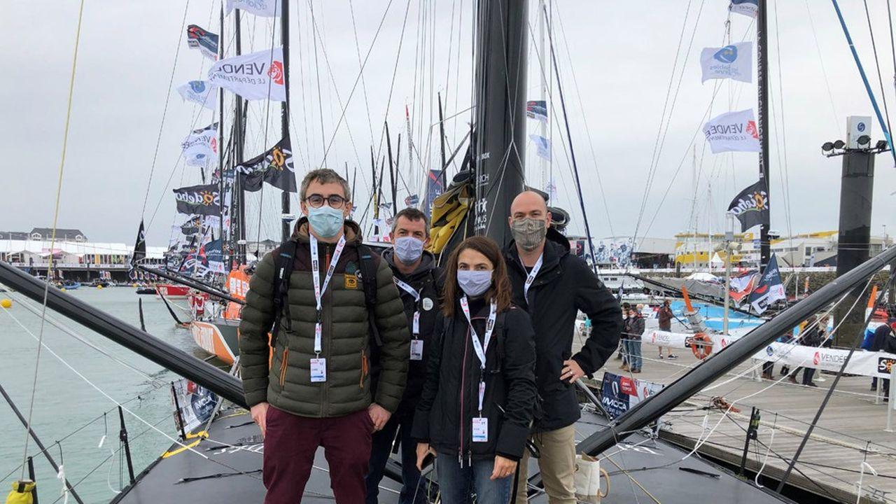 L'équipe de l'IRT Jules Verne sur le pont de l'Occitane en Provence au départ du Vendée Globe.