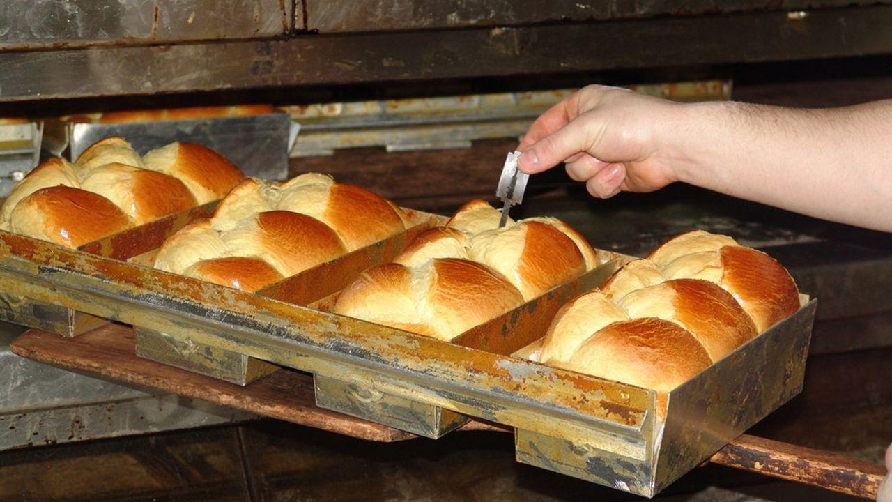 La fermentation lente (minimum 5heures et jusqu'à 24heures) optimise le développement des arômes et du moelleux. Deux fermentations sont réalisées, une avant le façonnage (dit pointage), l'autre avant la cuisson (dit apprêt).