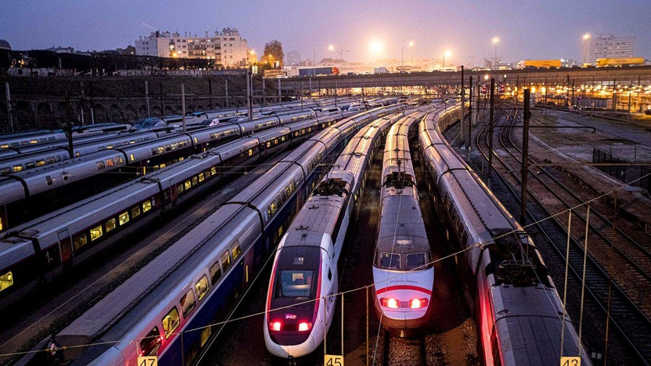 Le TGV, dont les bénéfices irriguaient traditionnellement le système ferroviaire français, roule régulièrement à perte faute de remplissage suffisant.