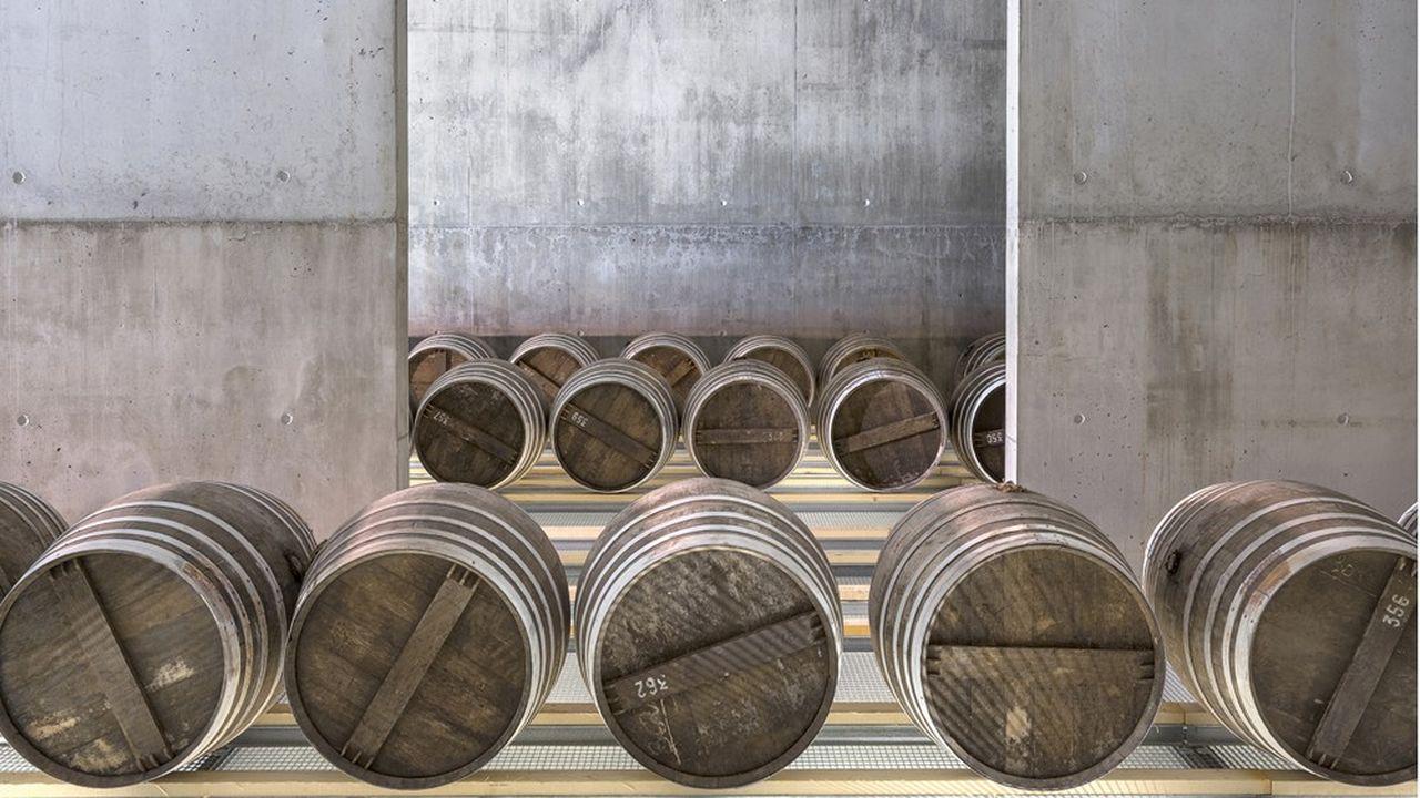 À la distillerie du Domaine des Hautes Glaces située à 900 m d'altitude à Saint-Jean d'Hérans, dans l'Isère.