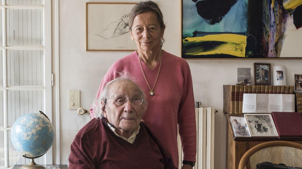 Dominique Senequier, présidente d'Ardian, et Paul Veyne, spécialiste de l'Antiquité et professeur honoraire au Collège de France, chez l'historien, à Bédoin (Vaucluse), le 20 octobre 2020.