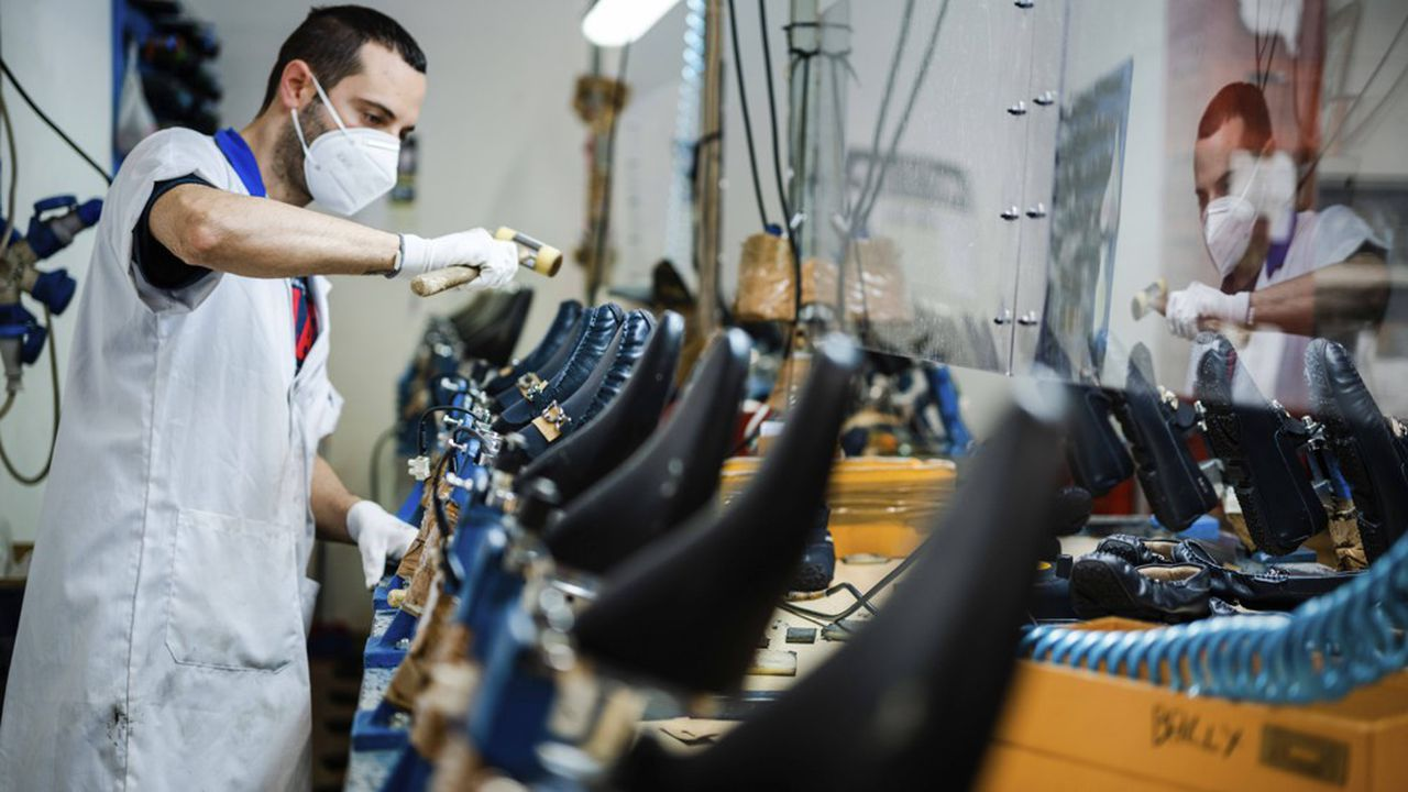 La pandémie de Covid-19 a grippé la bonne santé du made in Italy. Juste avant qu'elle ne provoque la fermeture des frontières pour l'endiguer, les exportations italiennes enregistraient en janvier2020 une hausse de 6,4% sur un an.