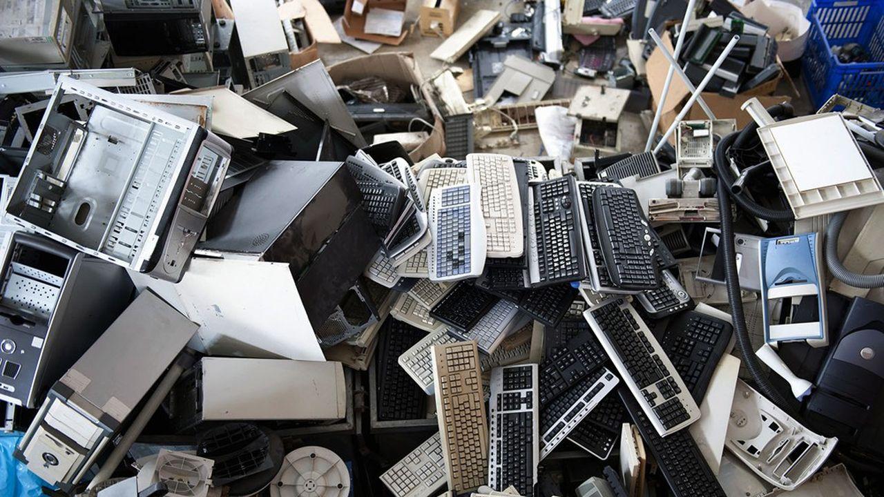 D'après un rapport de l'ONU, le monde a généré 4,7millions de tonnes de déchets électroniques liés à la micro-informatique (smartphones, PC, imprimantes) en 2019.