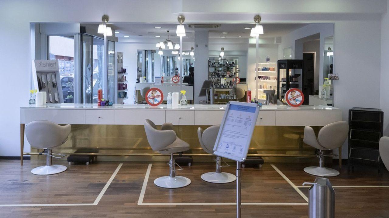 46% des Français interrogés par OpinionWay disent que la fermeture administrative des salons de coiffure représente pour eux une gêne importante.
