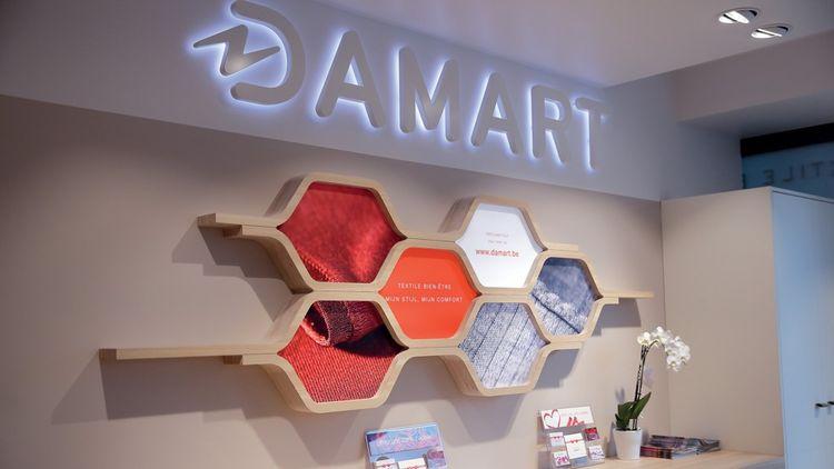 Le réseau de magasins Damart a lancé, le 2octobre dernier, son nouveau service de drive piéton (retrait en magasin), testé à l'occasion du second confinement.