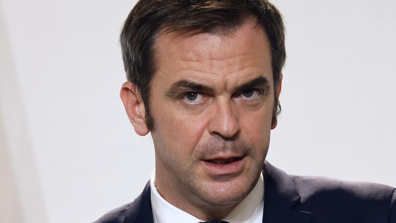 Le ministre de la Santé, Olivier Véran, a annoncé que plus de 8.300 personnes occupaient des lits de réanimation.