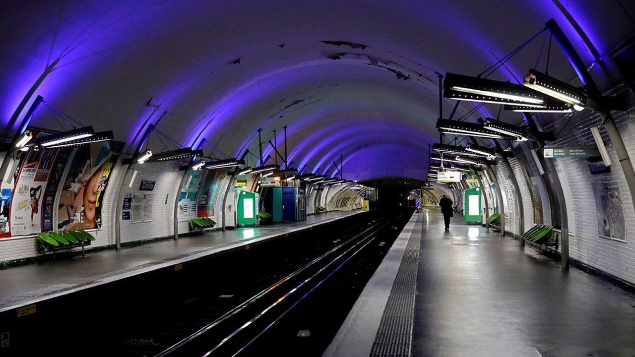Seules trois lignes de métro parisien, les 1,13 et 14, continueront à déployer une offre habituelle aux heures creuses.