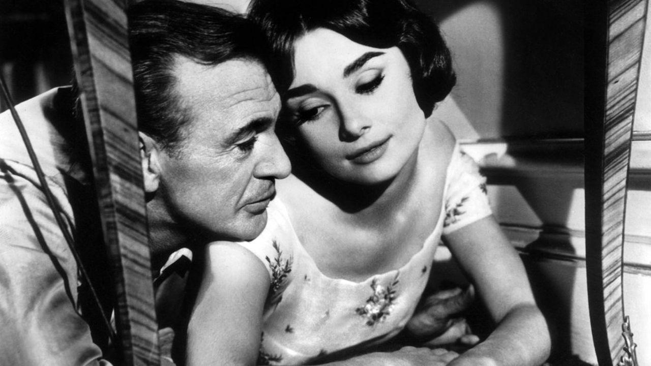 La malicieuse Ariane (Audrey Hepburn) fait tourner en bourrique le séducteur impénitent Frank Flannagan (Gary Cooper).