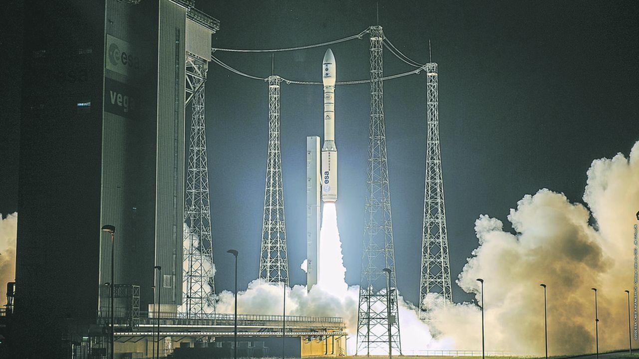 Le lanceur européen emportait notamment SEOSAT-Ingenio (750kg), le premier satellite d'observation espagnol de la Terre, pour le compte de l'agence spatiale européenne (ESA) et de l'Espagne.