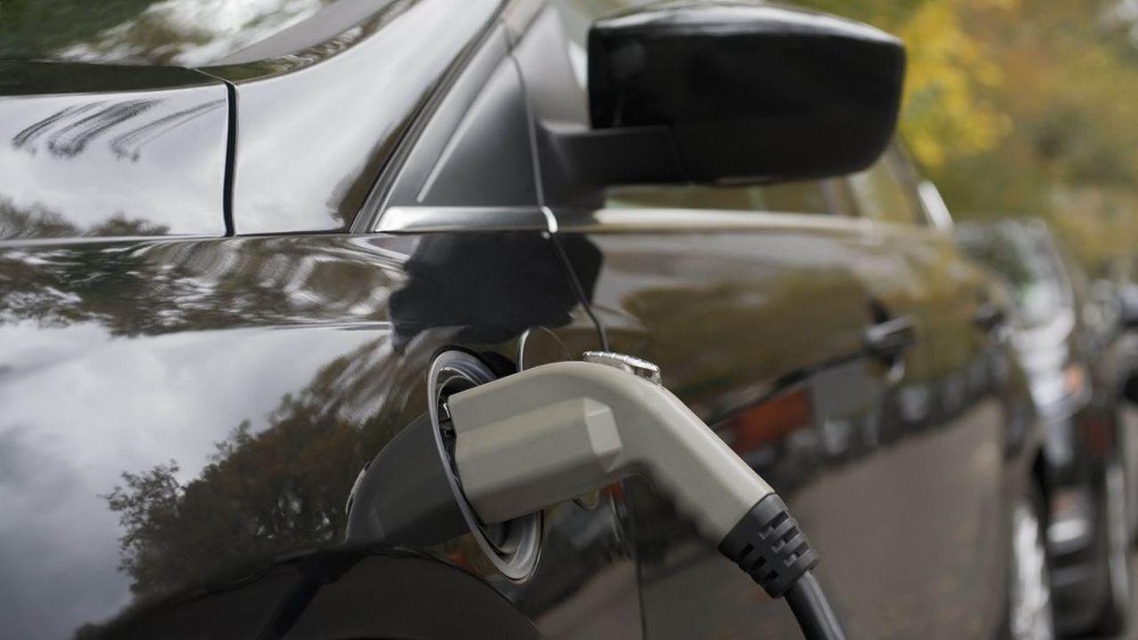 Les constructeurs européens cherchent à sécuriser leur approvisionnement en batteries.
