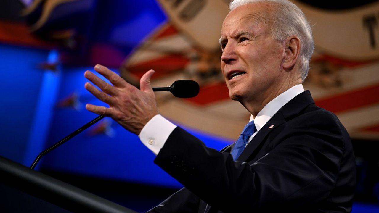 Joe Biden compte interdire la vente de concessions sur toutes les terres et zones maritimes appartenant à l'Etat fédéral. Il veut aussi renforcer la réglementation sur les fuites de méthane des installations pétrolières et gazières.