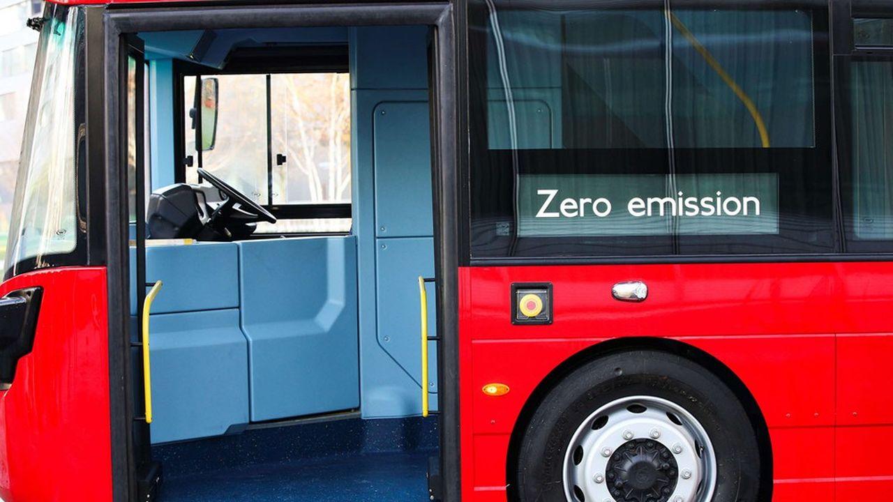 Boris Johnson veut mettre les bouchées doubles pour développer les transports en commun roulant à l'hydrogène.