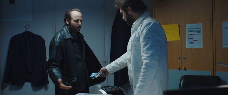 «Médecin de nuit», d'Elie Wajeman, avec Vincent Macaigne (à gauche) et Pio Marmai.