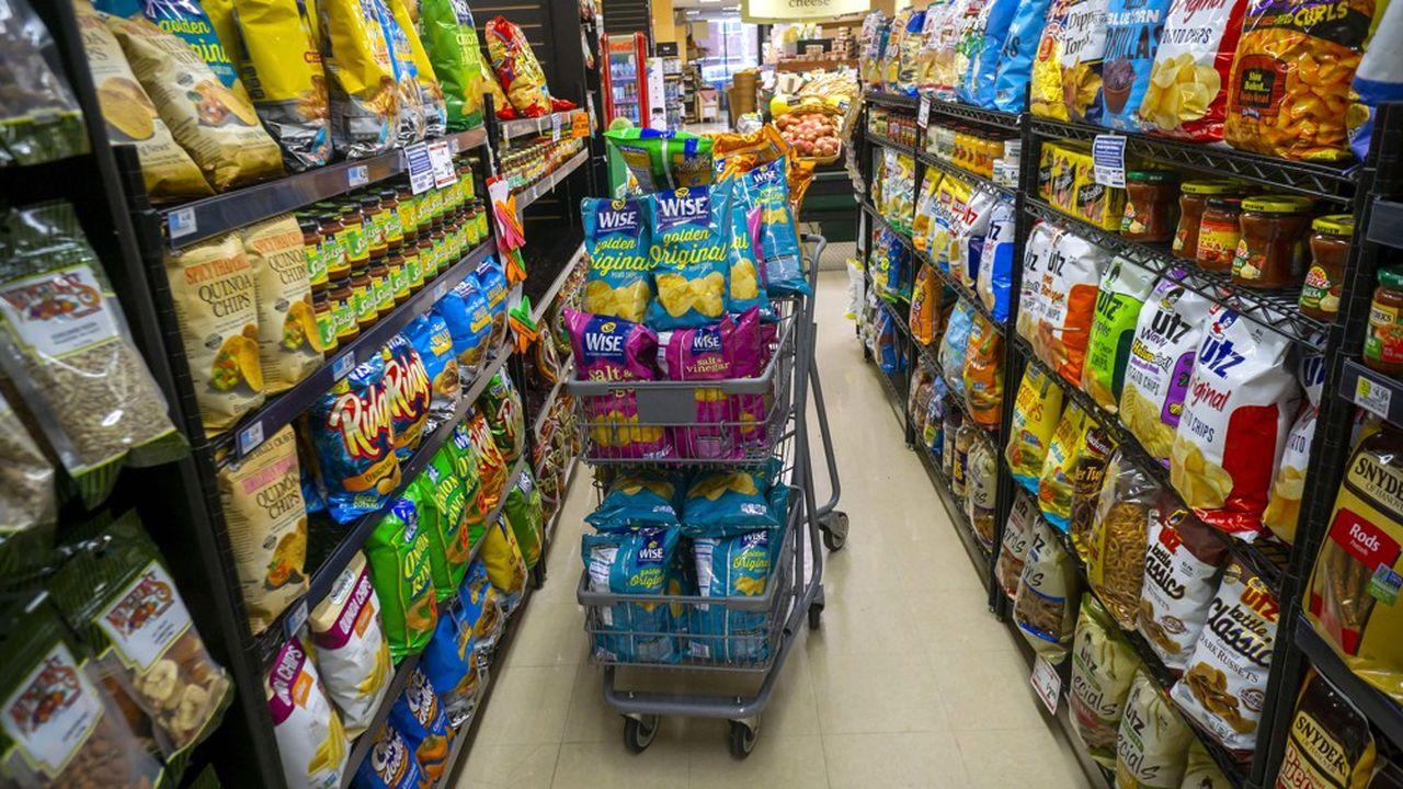 Dans de nombreux pays, les habitants consomment de moins en moins de produits végétaux et de féculents, à la faveur de régimes alimentaires riches en sucre, en graisse et en protéines animales.