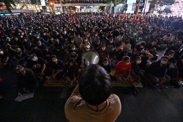 Manifestants pro-démocratie lors d'un rassemblement à Bangkok le 25octobre.