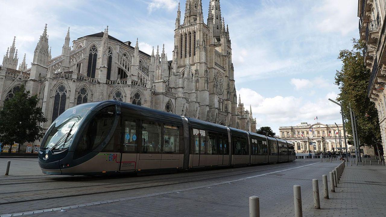 Le transport public urbain, hors TER, totalisait avant la crise 6,2milliards de voyages par an, dont 46% en province, comme ici à Bordeaux.