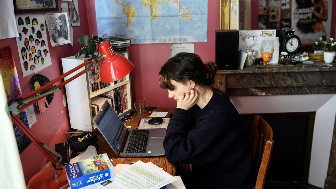 Le gouvernement entend lutter contre le décrochage des néobacheliers et soutenir l'emploi des étudiants plus âgés.