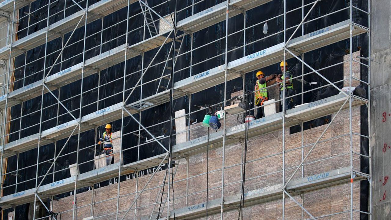 Les chantiers, longtemps clé de voûte du dynamisme économique turc, ont fortement ralenti en raison des turbulences économiques et de la crise du Covid.