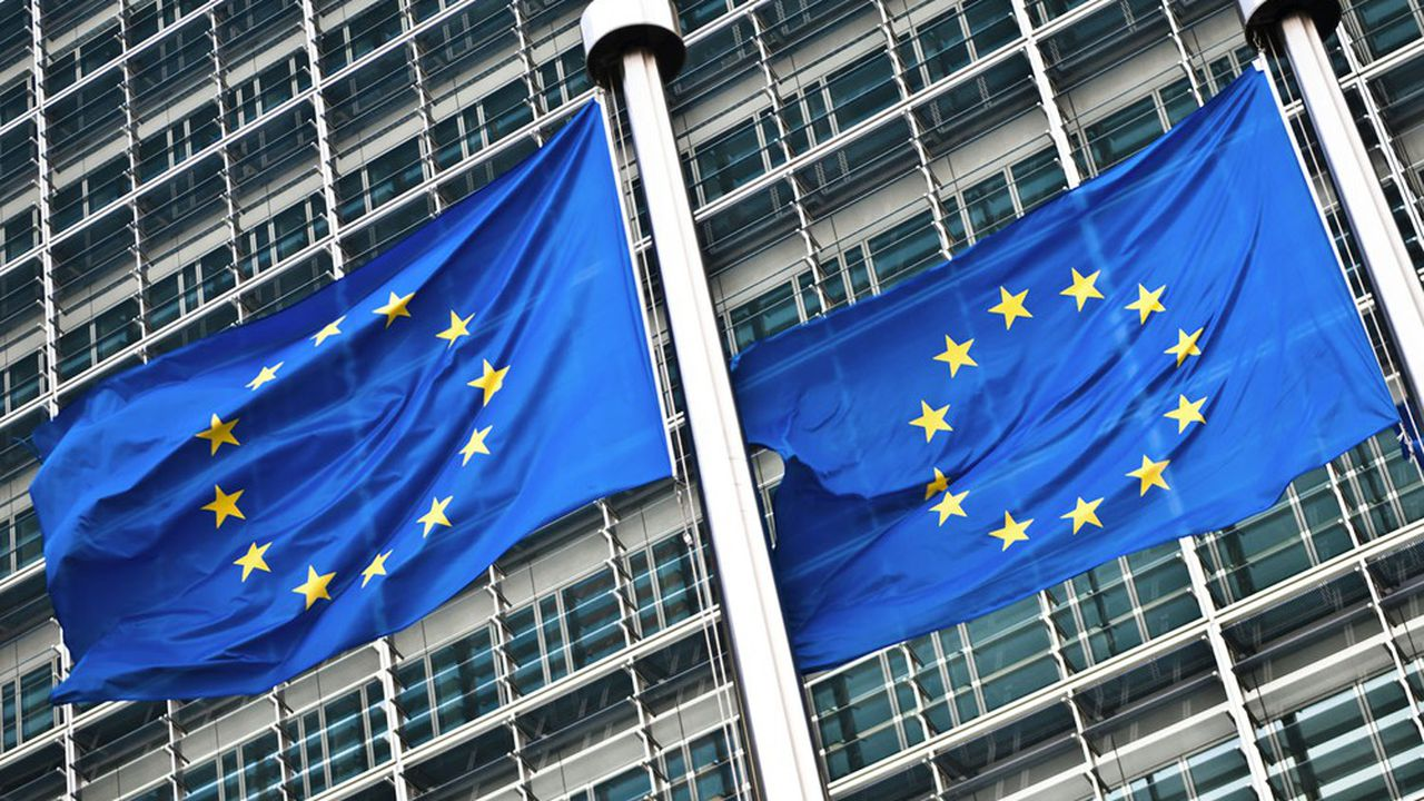 La Commission européenne est à l'origine de ce règlement. Dès mai2018, elle avait proposé de protéger les fonds européens contre les défaillances de l'Etat de droit dans un pays membre.