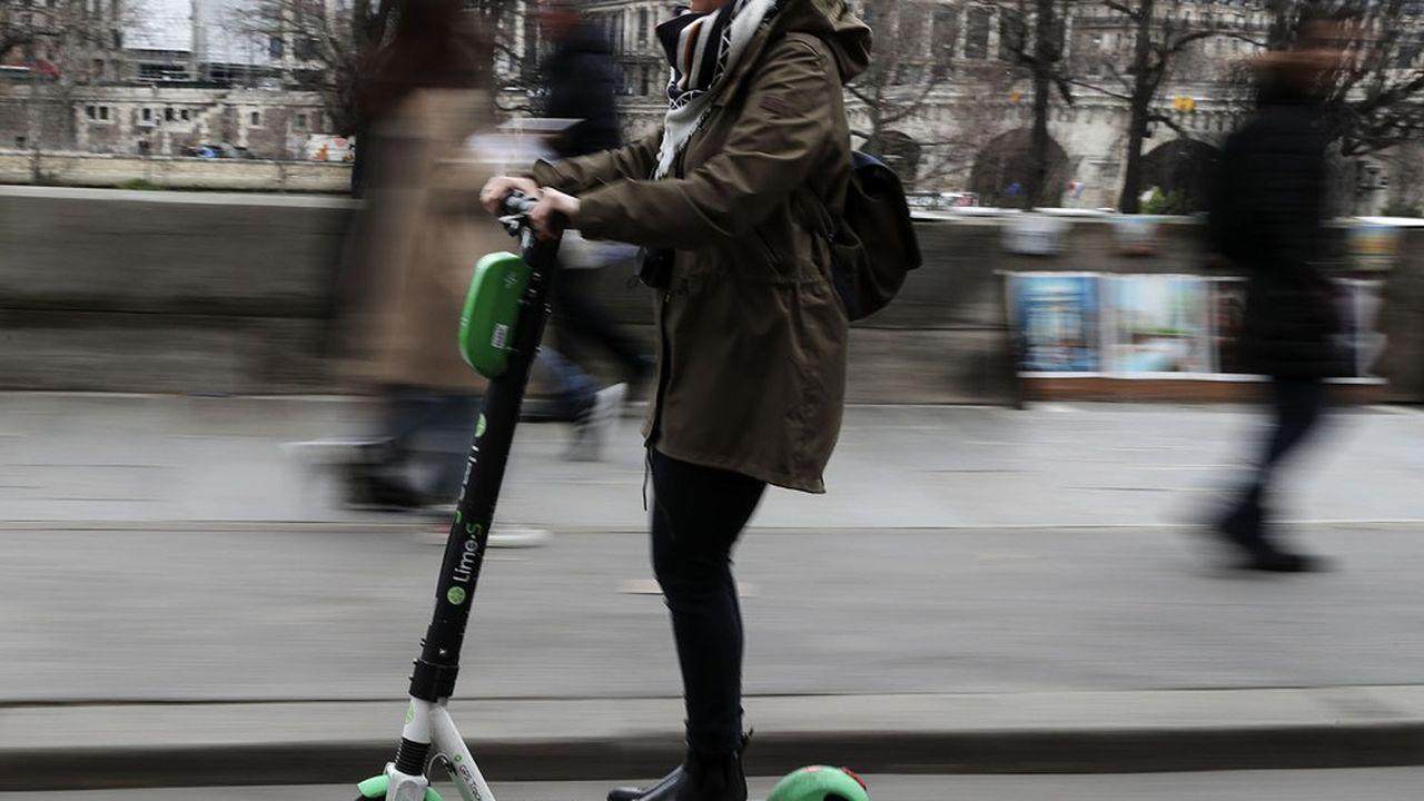 A Paris, Lime revendique 105.000utilisateurs uniques chaque semaine, et annonce également l'arrivée dans son offre d'un nouveau mode de transport au premier trimestre2021, qui s'ajoutera aux vélos et aux trottinettes.