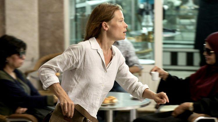 Mélanie Thierry dans une série mêlant espionnage, géopolitique et intrigue familiale.