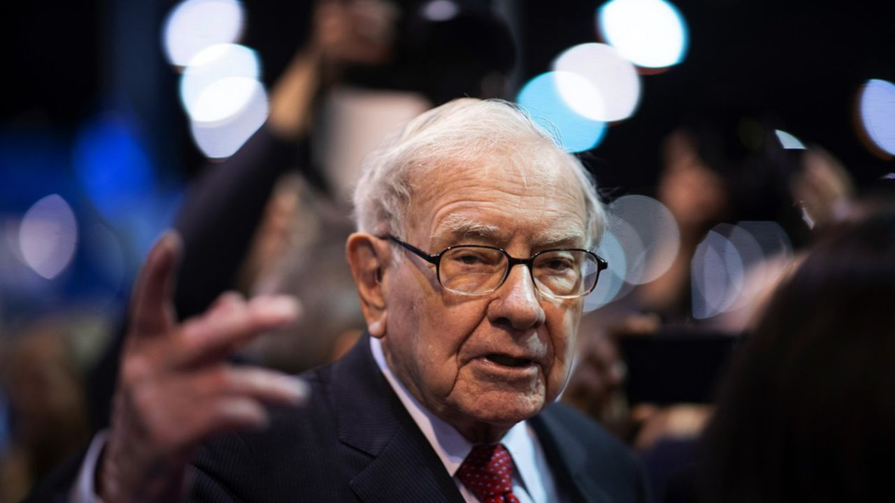 Warren Buffett a dépensé davantage pour racheter ses propres actions que pour investir sur les marchés en 2020.