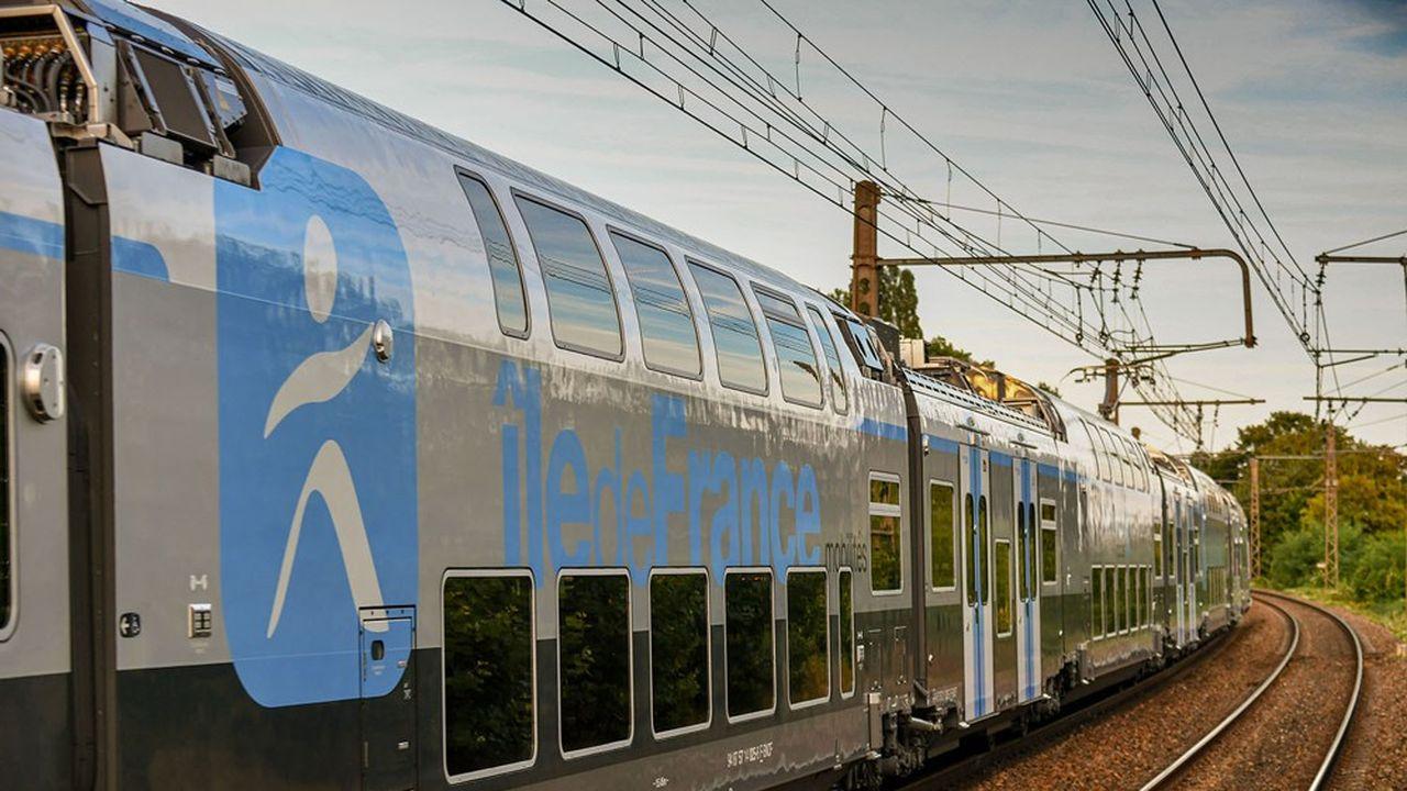 Le réseau Transilien compte 15 lignes où circulent 6.200 trains par jour. Ici, le nouveau matériel Regio 2N sur la ligne R de la SNCF.