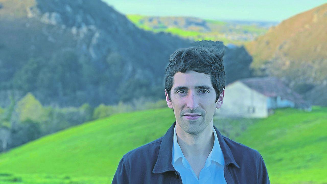 Bixente Etcheçaharreta est diplômé de Sciences Po et président de l'association Des territoires aux grandes écoles par laquelle il encourage les jeunes provinciaux à oser les grandes écoles. Il appelle aussi à leur retour afin de nourrir l'écosystème régional.