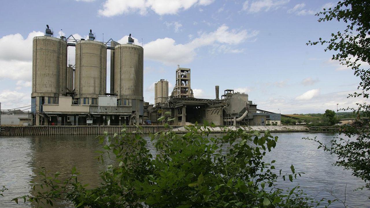 L'industriel Calcia (Hindelberg Ciment) renonce finalement à son projet de nouvelle carrière à Brueil-en-Vexin.