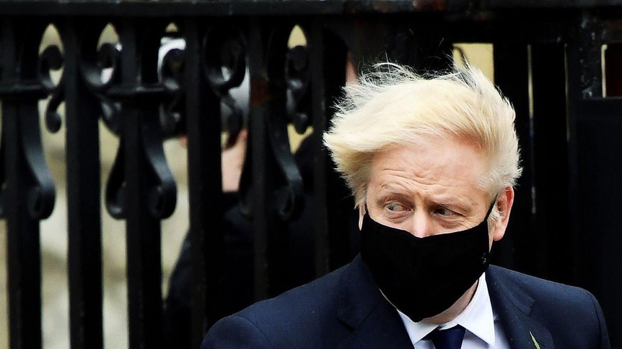 «La gestion de Boris Johnson est tout sauf contrôlée, du Brexit au Covid»