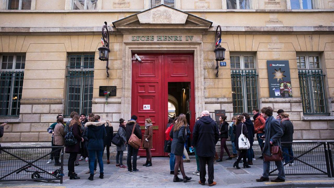 La note préconise aussi de «démultiplier» les initiatives mixtes, à l'instar du «CPES», dispositif post-bac à cheval entre la classe préparatoire et l'université, porté par le lycée Henri IV et qui accueille 50% de boursiers.