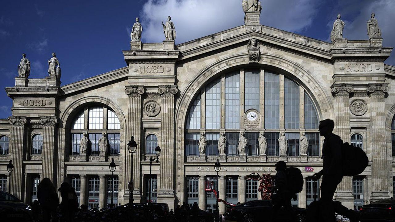 Le projet de rénovation de la gare du Nord, conçu par la SNCF et par Ceetrus, la foncière du groupe Auchan, prévoyait à l'origine de terminer les travaux juste avant les JO de 2024.
