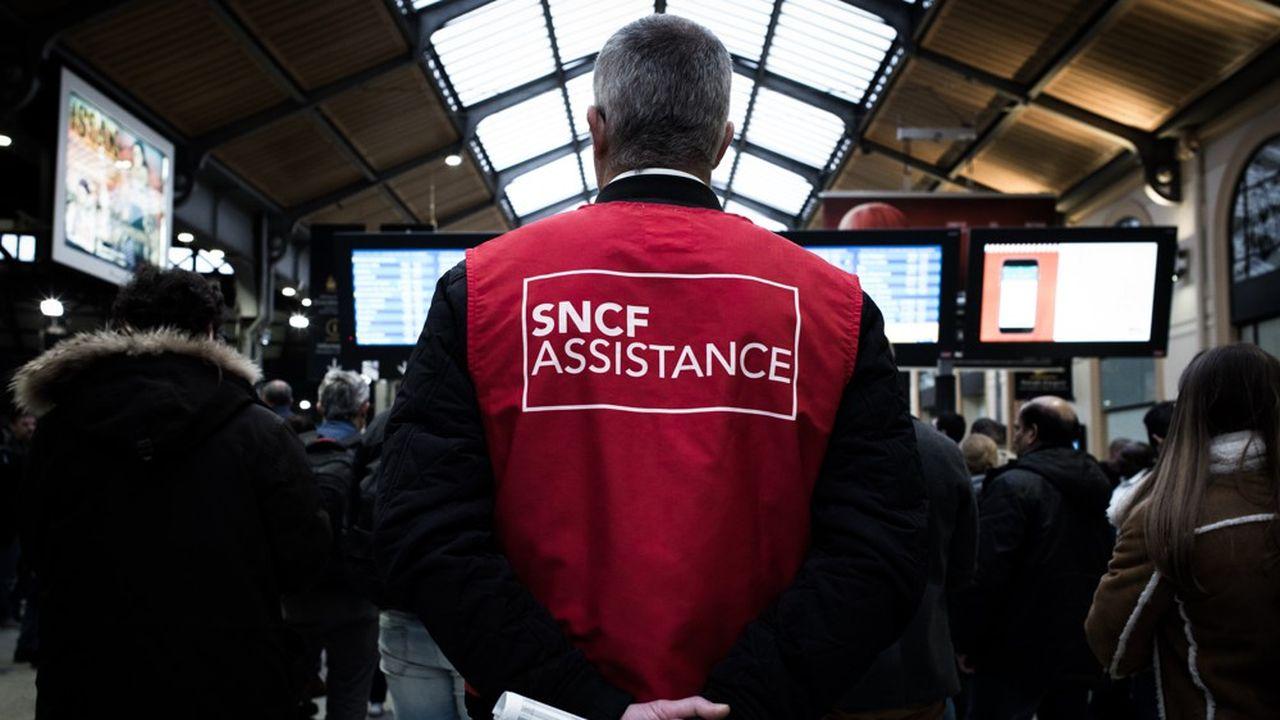 Quand Emmanuel Macron déclenche un rush de Noël à la SNCF