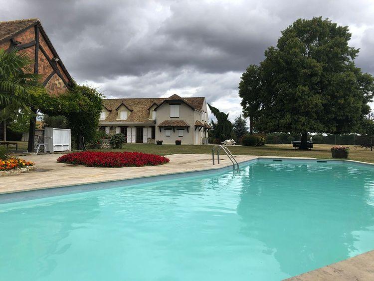 Une maison avec piscine, tennis et sauna dans les Yvelines