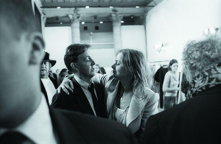 Stella McCartney et son père, Paul, en coulisse d'un défilé, dans les années 2010.