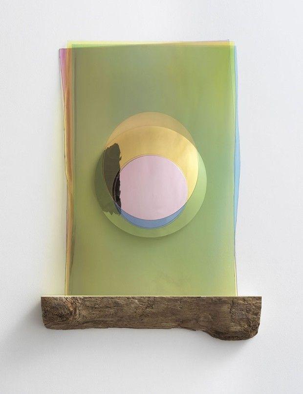 «Imaginary Morning Eclipse», oeuvre de l'artiste Olafur Eliasson, créée pour illustrer le «O» comme Organic («bio») du manifeste en forme d'«alphabet durable» imaginé par Stella McCartney pendant le confinement du printemps.