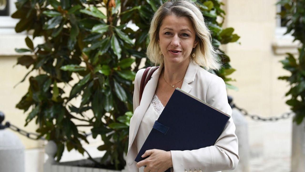 Le monde des médias et de la publicité s'inquiète de ce qui va sortir du projet de loi de la ministre de la Transition écologique, Barbara Pompili.
