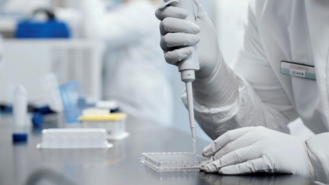 Selon les derniers résultats, issus de l'essai clinique de phase IIIde Moderna réalisé auprès de 30.000 volontaires, son candidat vaccin serait efficace à 94,1% contre le Covid-19.