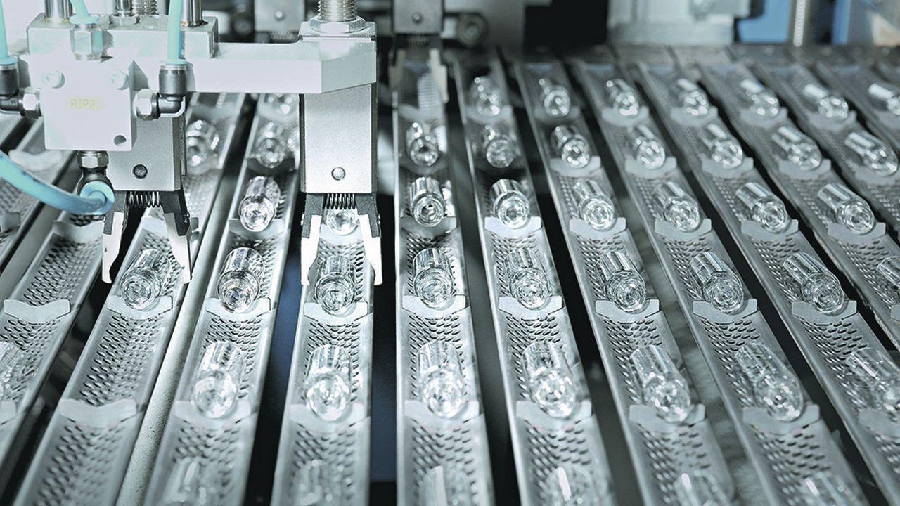 Schott prévoit de produire environ 700 millions de flacons pour les différents vaccins.