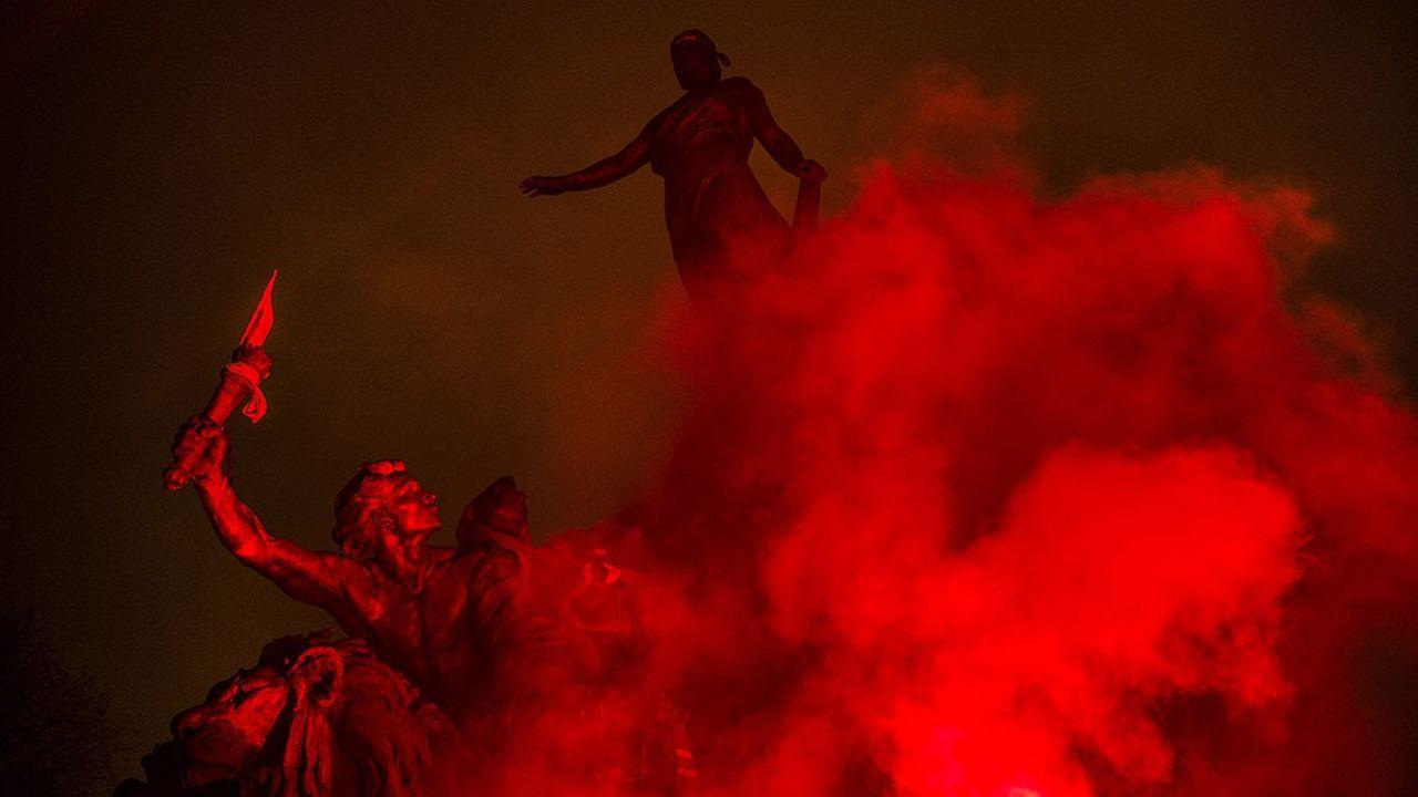 Manifestation le 5 décembre 2019, place de la Nation, à Paris, contre la réforme des retraites. Un sujet qui, depuis 1995, reste un chiffon rouge pour les Français.