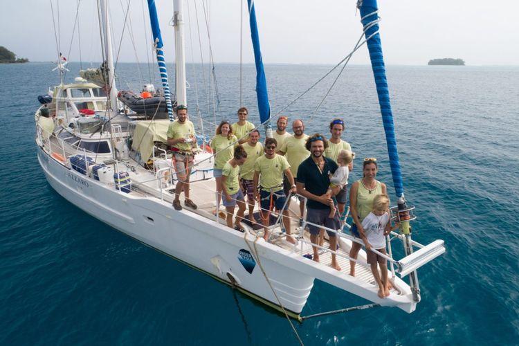 L'équipe Under the Pole à Moorea, Polynésie.