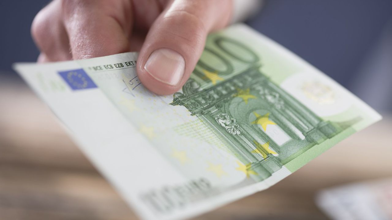 Le cash continue son (lent) déclin en Europe