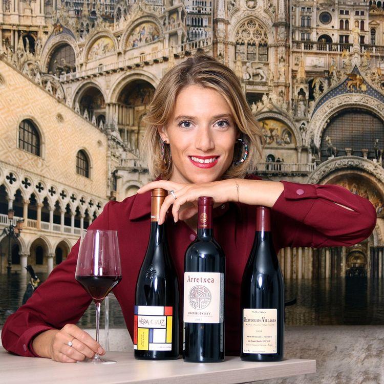 La blogueuse Margot Ducancel, qui compte 23.000 followers, organise dégustations et master class pour les membres de son club 100% féminin, Rouge aux lèvres.