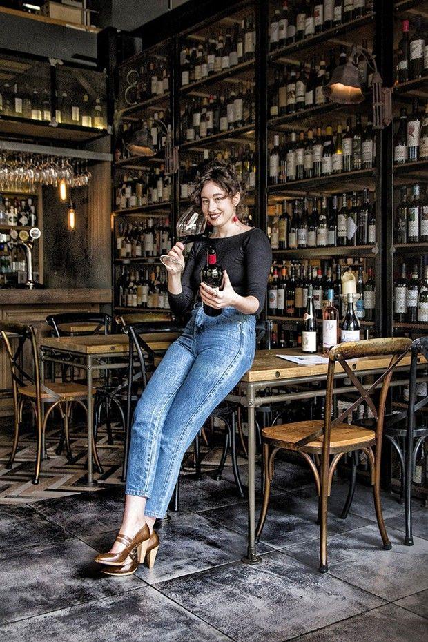 La Grecque Georgia Panagopoulou, alias Wine Gini, qui dénombre 108 000 followers, a créé sa propre agence de marketing digital spécialisée dans le vin.