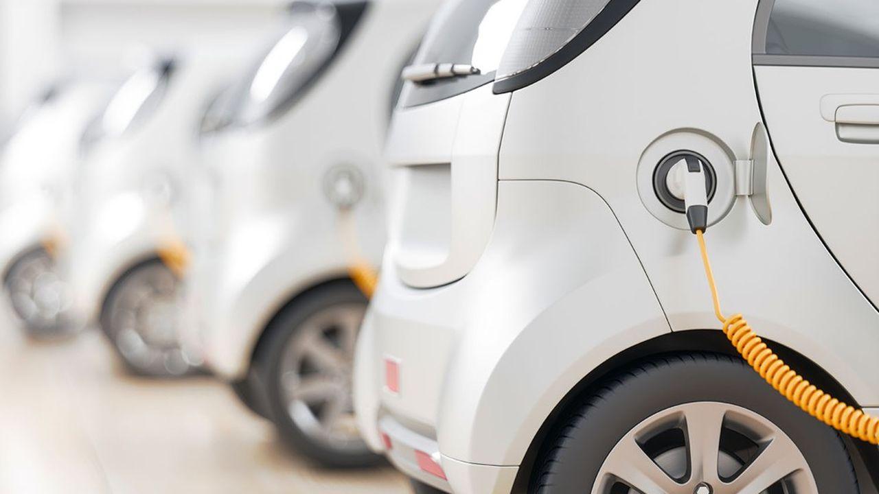 Le secteur automobile s'est d'abord développé grâce aux initiatives privées, en lien avec les universités.